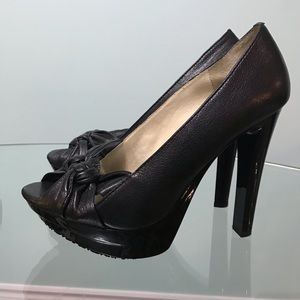 Michael Kors Napa leather black peep toes
